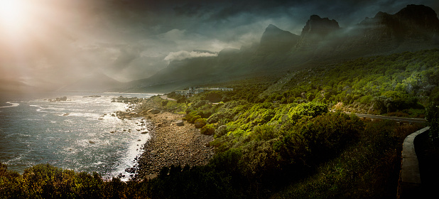 Sunbeam「Sun shining over rural coastline, Cape Town, Western Cape, South Africa」:スマホ壁紙(11)