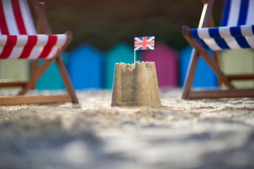 Deck Chair「Sandcastle with UK flag between two deck chairs」:スマホ壁紙(11)