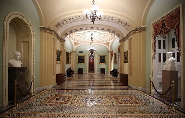 Hall「Scenes At the Capital During Partial Shutdown Before Congress Changes Hands」:写真・画像(4)[壁紙.com]