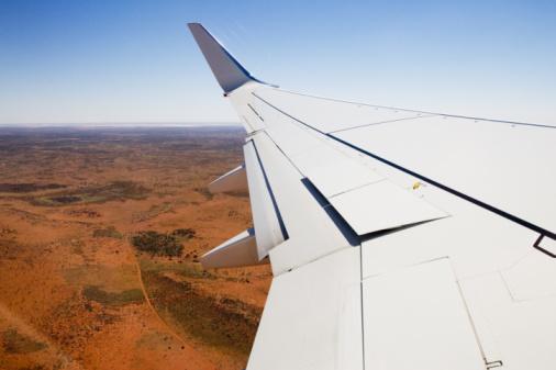 Tim Graham「Plane Wing Over Red Centre, Australia」:スマホ壁紙(19)