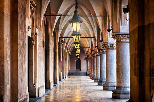 Town Square「Renaissance corridor in Cloth Hall Sukiennice on the Main Market Square, Krakow, Poland」:スマホ壁紙(16)