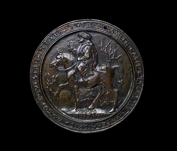 Stool「Renaissance Medal」:写真・画像(8)[壁紙.com]