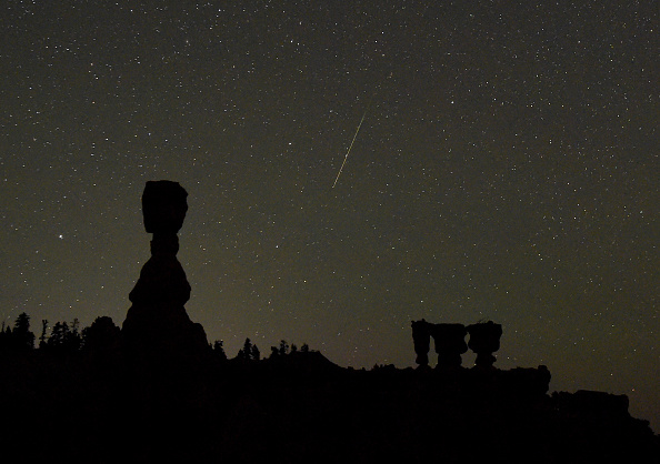 Meteor Shower「The Annual Perseid Meteor Shower From Bryce Canyon National Park」:写真・画像(17)[壁紙.com]