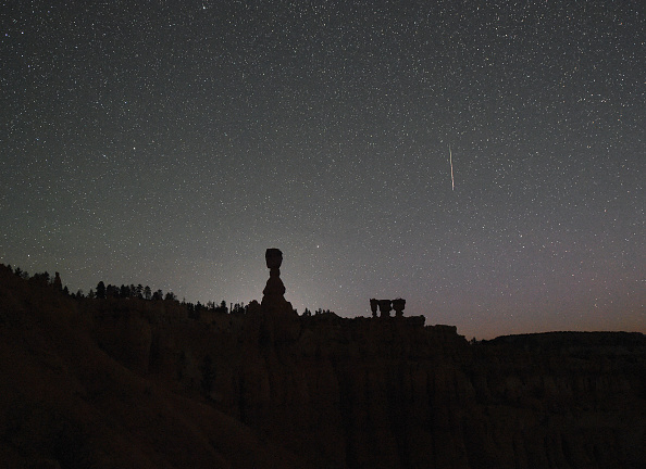 Meteor「The Annual Perseid Meteor Shower From Bryce Canyon National Park」:写真・画像(18)[壁紙.com]