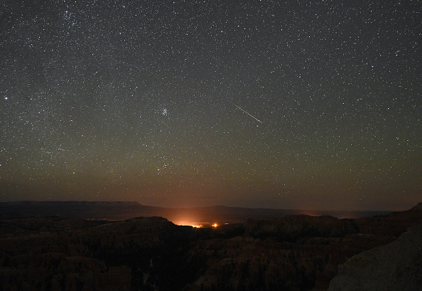 Sky「The Annual Perseid Meteor Shower From Bryce Canyon National Park」:写真・画像(12)[壁紙.com]