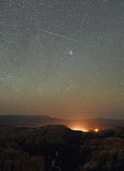 Meteor Shower「The Annual Perseid Meteor Shower From Bryce Canyon National Park」:写真・画像(16)[壁紙.com]
