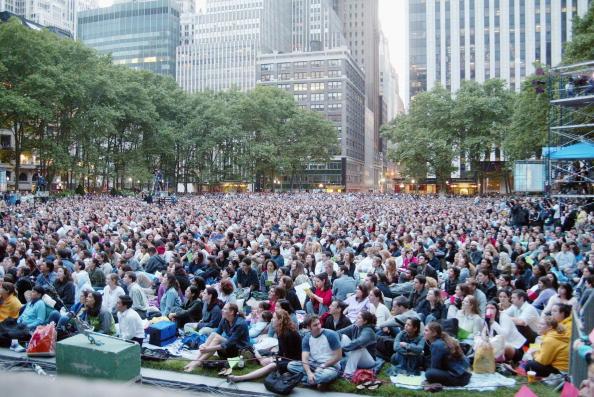 Bryant Park「AOL Time Warner Presents Broadway Under The Stars」:写真・画像(4)[壁紙.com]