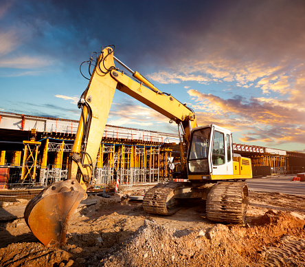 Earth Mover「Excavator on the viaduct construction site」:スマホ壁紙(12)