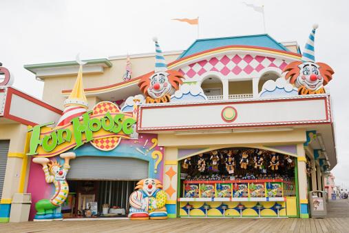 Carnival「Fun house」:スマホ壁紙(4)