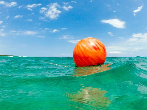 Buoy「Orange buoy in turquoise water」:スマホ壁紙(17)