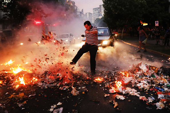 Economy「Protests Against Social Inequality in Chile: Day 50」:写真・画像(11)[壁紙.com]