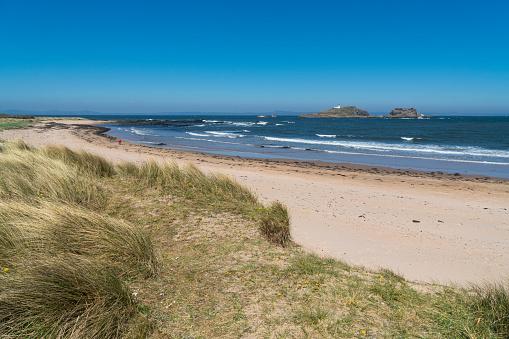 East Lothian「North Berwick, East beach, looking out to Fidra, Scotland」:スマホ壁紙(15)