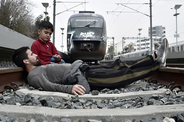 Bestpix「Migrants Block Trains In Protest At Athens Railway Station」:写真・画像(17)[壁紙.com]