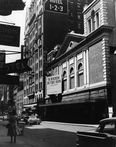 Theatrical Performance「Marquee Advertising 'A Raisin In The Sun'」:写真・画像(12)[壁紙.com]