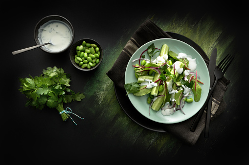Green Background「Salads: Salad with Cucumber, Lettuce, Soybeans, Parsley and Yoghurt Dressing」:スマホ壁紙(8)