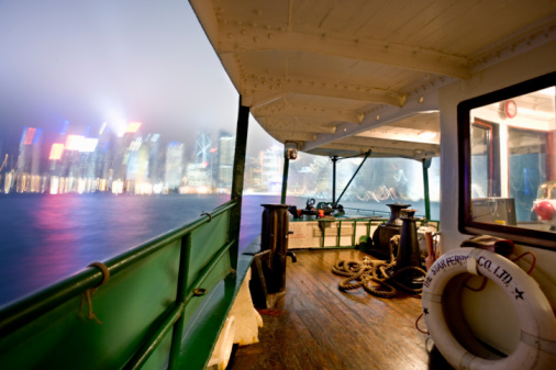 Approaching「China, Hong Kong harbour, view from ferry, night (blurred motion)」:スマホ壁紙(13)