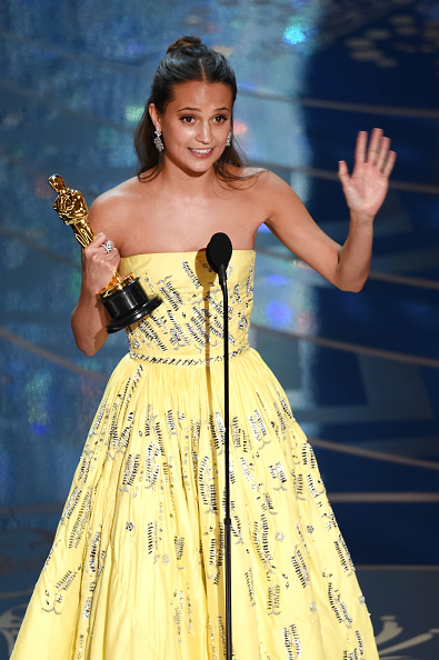 Best supporting actress prize「88th Annual Academy Awards - Show」:写真・画像(7)[壁紙.com]