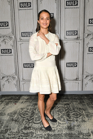 Alicia Vikander「Celebrities Visit Build - March 14, 2018」:写真・画像(18)[壁紙.com]
