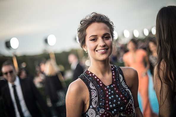 Alicia Vikander「An Alternative View Of The 21st Annual Critics' Choice Awards」:写真・画像(4)[壁紙.com]