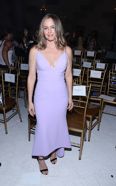 Alicia Silverstone「Christian Siriano - Front Row - September 2019 - New York Fashion Week: The Shows」:写真・画像(16)[壁紙.com]