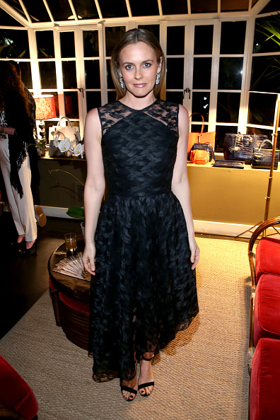 アリシア・シルヴァーストーン「Christian Siriano Dinner & Launch Of First Ever Handbag Collection In Los Angeles」:写真・画像(18)[壁紙.com]