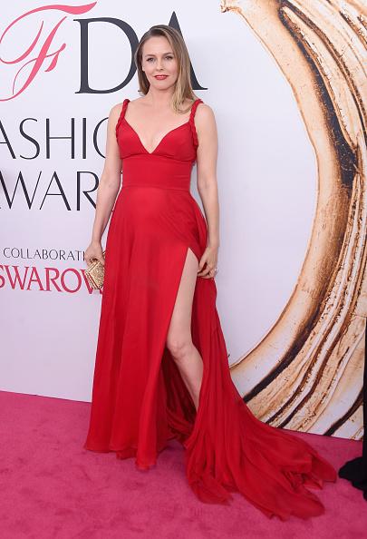 Alicia Silverstone「2016 CFDA Fashion Awards - Arrivals」:写真・画像(0)[壁紙.com]