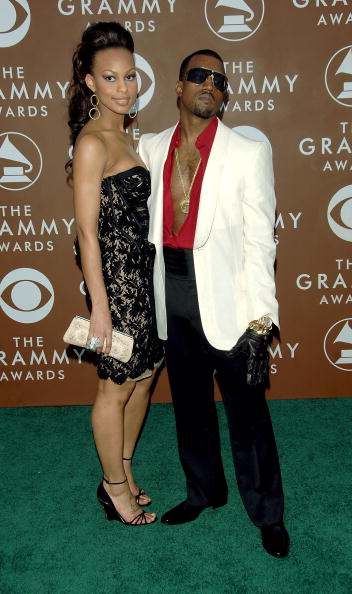 Fully Unbuttoned「48th Annual Grammy Awards - Arrivals」:写真・画像(14)[壁紙.com]