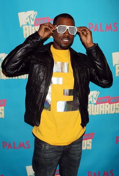 サングラス「MTV TRL Presents The 2007 MTV Video Music Award Nominees」:写真・画像(8)[壁紙.com]