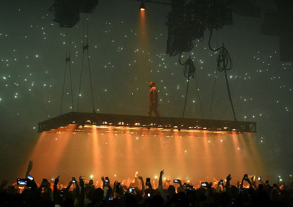 Performance「Kanye West Performs At The Forum」:写真・画像(18)[壁紙.com]