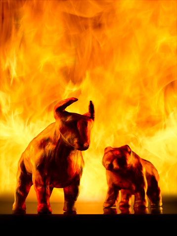 Figurine「Bear and bull models with fire in background」:スマホ壁紙(17)