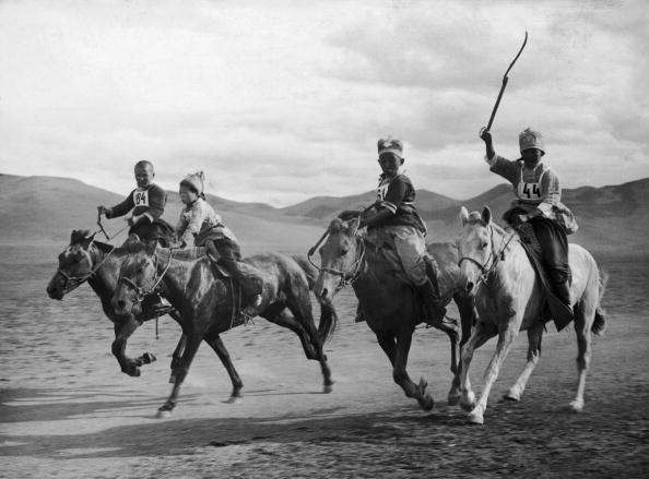 Horse Racing「Children On Horseback」:写真・画像(18)[壁紙.com]