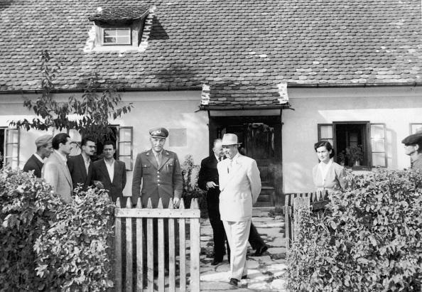 Medium Group Of People「Tito's Birthplace」:写真・画像(14)[壁紙.com]