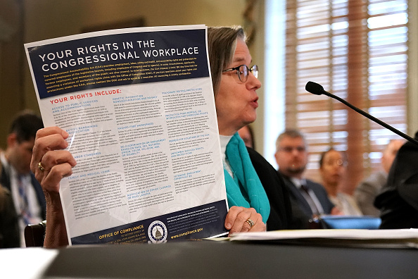 Chip Somodevilla「House Administration Committee Holds Hearing On Preventing Sexual Harassment In The Congressional Workplace」:写真・画像(19)[壁紙.com]