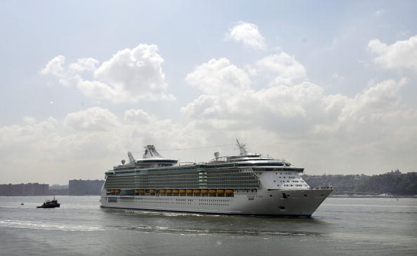 Freedom「World's Largest Cruise Ship Docks In New York」:写真・画像(1)[壁紙.com]