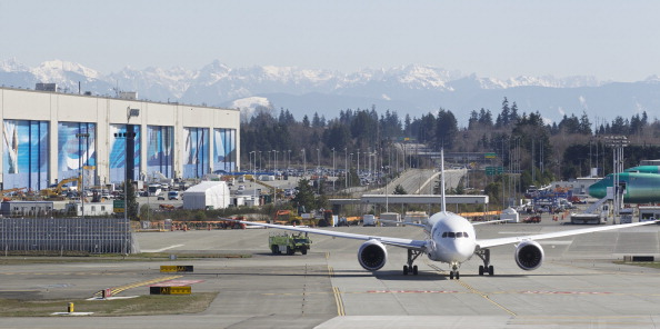 Lithium「Boeing Tests The 787 In First Flight Since Being Grounded」:写真・画像(3)[壁紙.com]