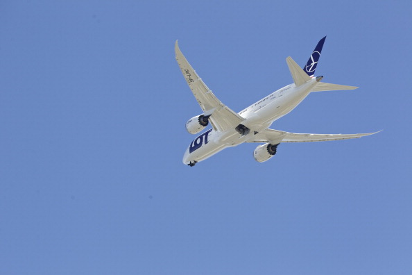 Commercial Airplane「Boeing Tests The 787 In First Flight Since Being Grounded」:写真・画像(1)[壁紙.com]