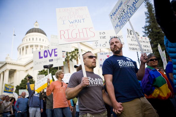 Support「Rally On Steps Of California State Capitol Protests Passage Of Prop 8」:写真・画像(18)[壁紙.com]