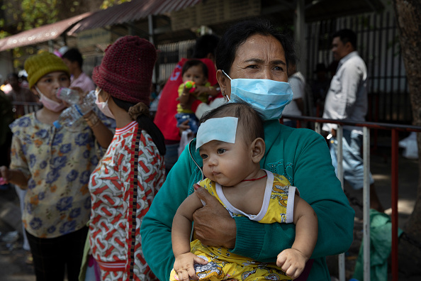 Waiting「Concerns in Cambodia with Coronavirus Chinese Business Slowdown」:写真・画像(13)[壁紙.com]
