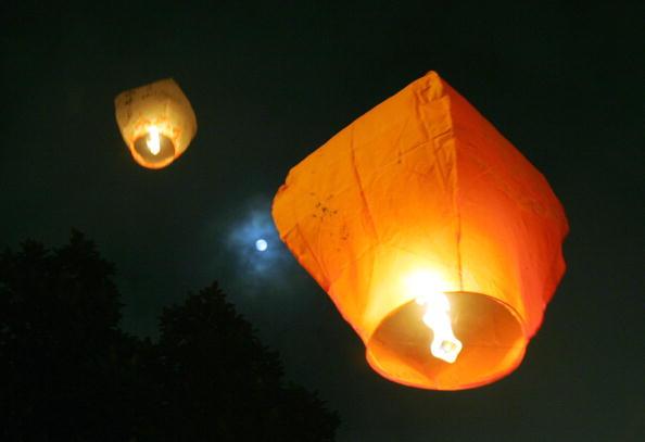 Chinese Lantern「Chinese People Mark 2007 Mid-autumn Festival」:写真・画像(0)[壁紙.com]