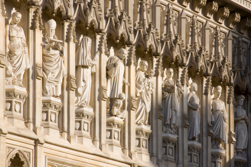 Westminster Abbey「Statues of 20th century Christian martyrs above Great West Door of Westminster Abbey, City of Westminster.」:スマホ壁紙(14)