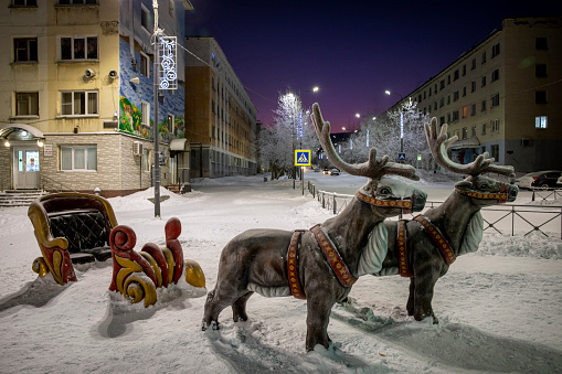 Reindeer Sledding「Statues of reindeer's in the main square of Nickel」:スマホ壁紙(4)