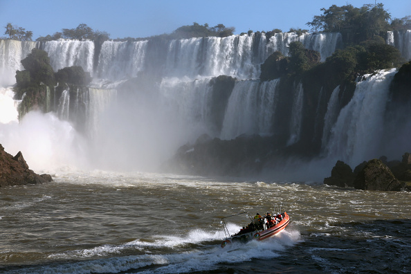 イグアス川「Iguacu Falls A Finalist In New Seven Wonders Of Nature Contest」:写真・画像(0)[壁紙.com]