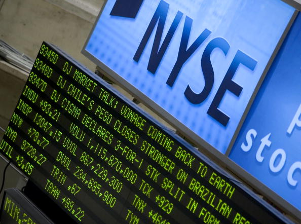 Dow Jones Industrial Average「Dow Industrials Approach 13,000 On Strong Durable Goods Data, Earnings」:写真・画像(16)[壁紙.com]