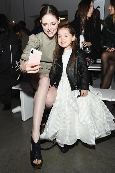 ニューヨークファッションウィーク「Rebecca Minkoff - Front Row - February 2019 - New York Fashion Week: The Shows」:写真・画像(17)[壁紙.com]