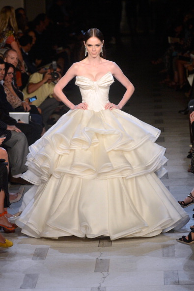 Flounced Dress「Zac Posen - Runway - Spring 2013 Mercedes-Benz Fashion Week」:写真・画像(5)[壁紙.com]