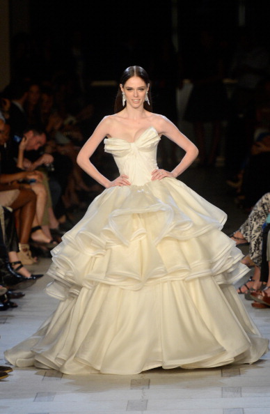 Flounced Dress「Zac Posen - Runway - Spring 2013 Mercedes-Benz Fashion Week」:写真・画像(4)[壁紙.com]