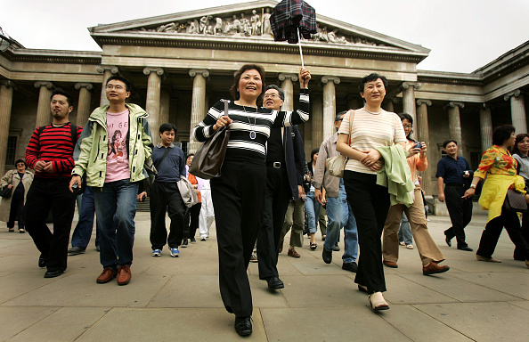 Tourist「First Chinese Tourists To Visit UK Go Sightseeing」:写真・画像(7)[壁紙.com]