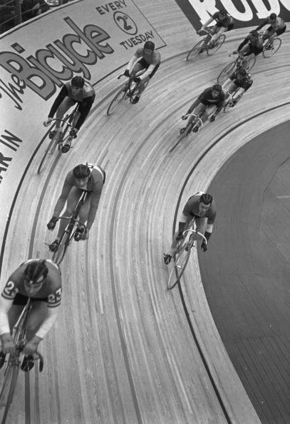 自転車・バイク「Six Day Cycling Race」:写真・画像(12)[壁紙.com]