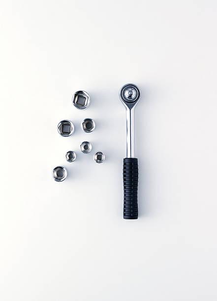 Socket wrench on white background:スマホ壁紙(壁紙.com)