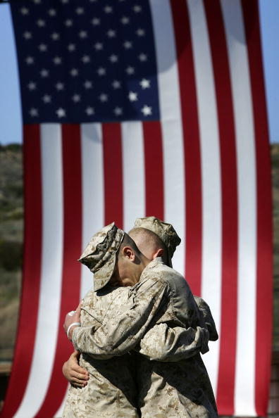 Daniel Gi「Marines Memorialize Comrades Killed In Iraq」:写真・画像(18)[壁紙.com]